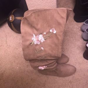 Tall embroidered boots